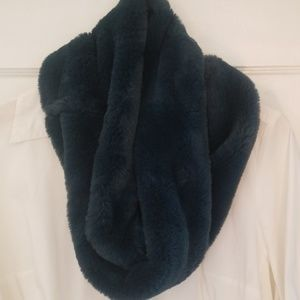 Peacock blue soft faux-fur infinity scarf